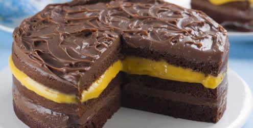 bolo-chocolate-creme-maracuja